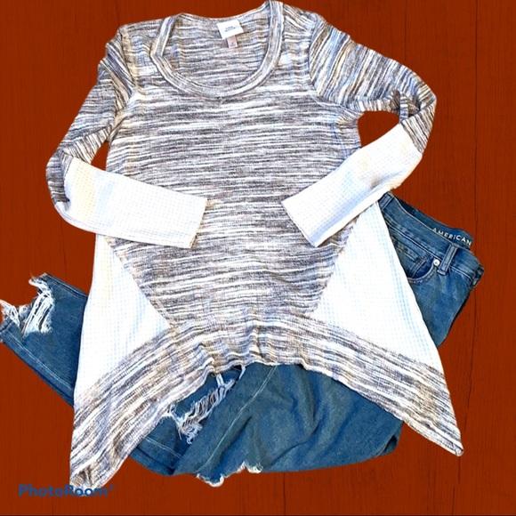 Knox Rose | Asymmetrical Round Neck Sweater EUC